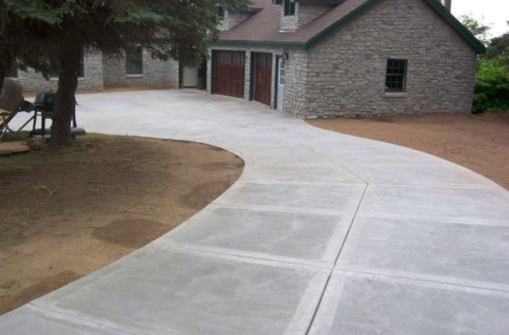 How to Clean a Driveway