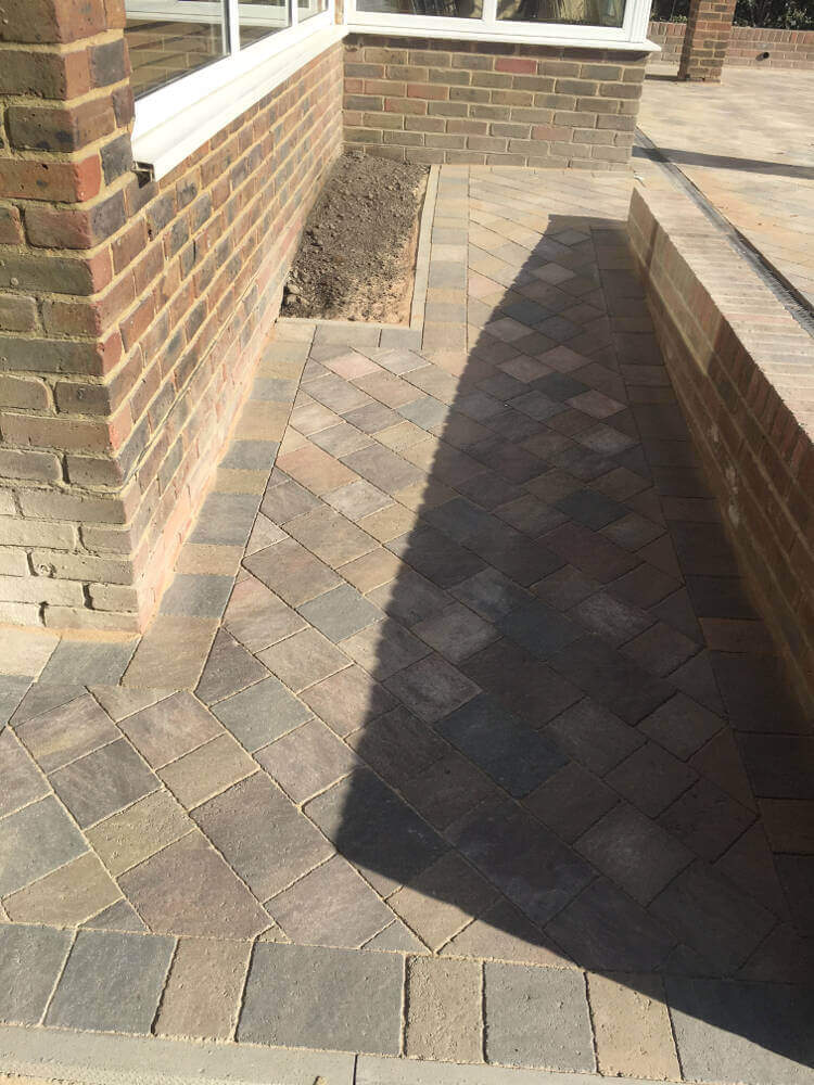 New block paved drive, path,walls and lawn in Polegate (6)