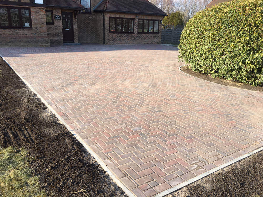 newly-installed-block-paving-by-clarke-and-baker (2)