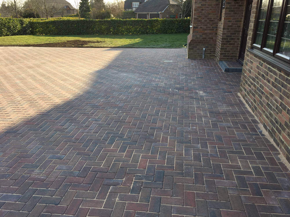 newly-installed-block-paving-by-clarke-and-baker (4)